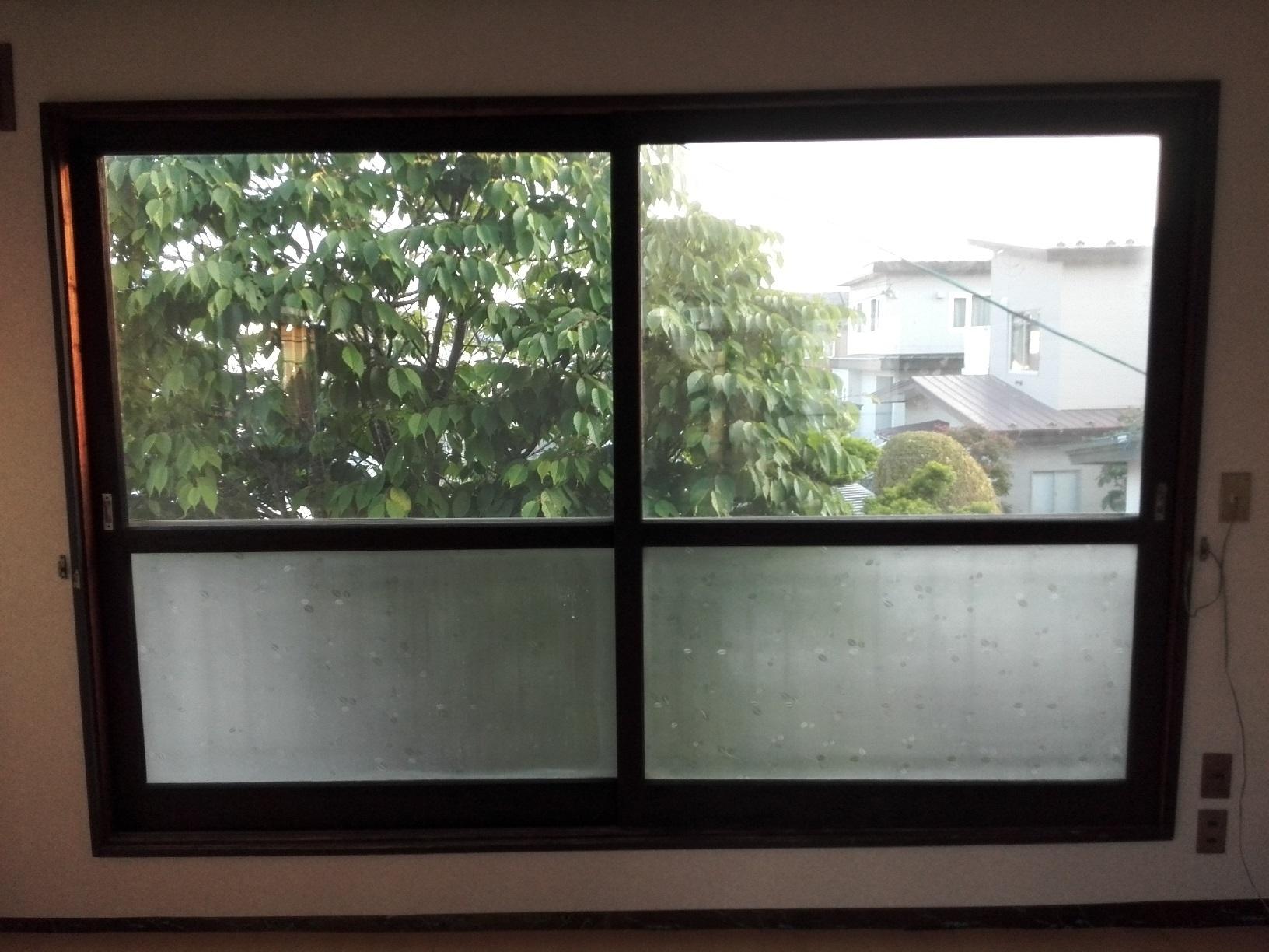愛国アパート 窓木部仕上がり3