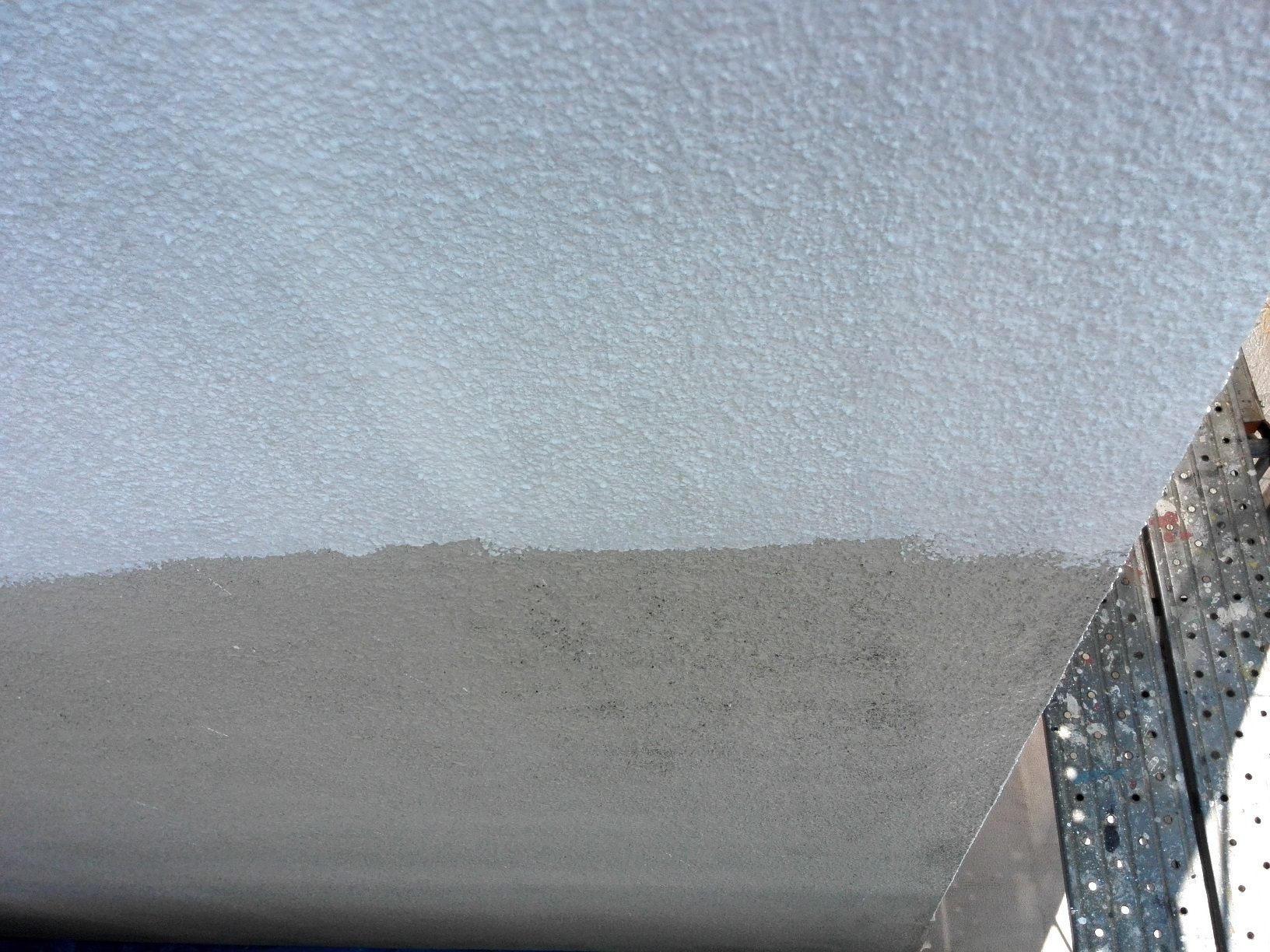 外壁下塗り サーフ4