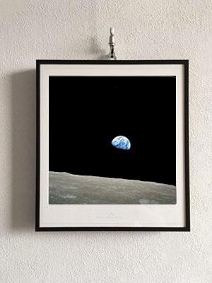 earthrise-300400.jpg