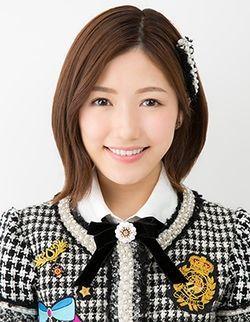 250px-2017年AKB48プロフィール_渡辺麻友