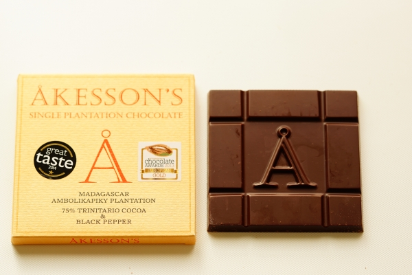 【AKESSON'S】MADAGASAR AMBOLIKAPIKY PLANTATION 75% TRINITARIO  BLACK PEPPER