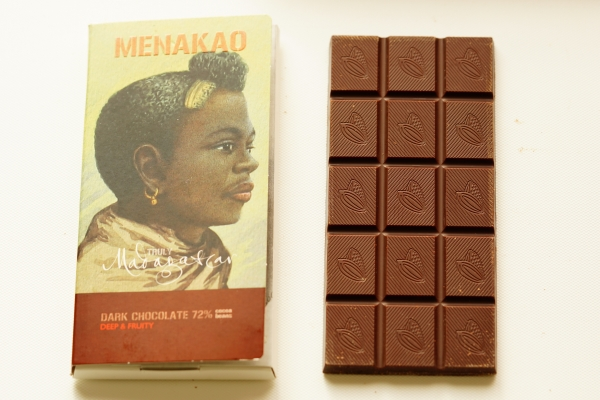 【MENAKAO】DARK CHOCOLATE 72%/63% cocoa nibs & Madagascan sea salt