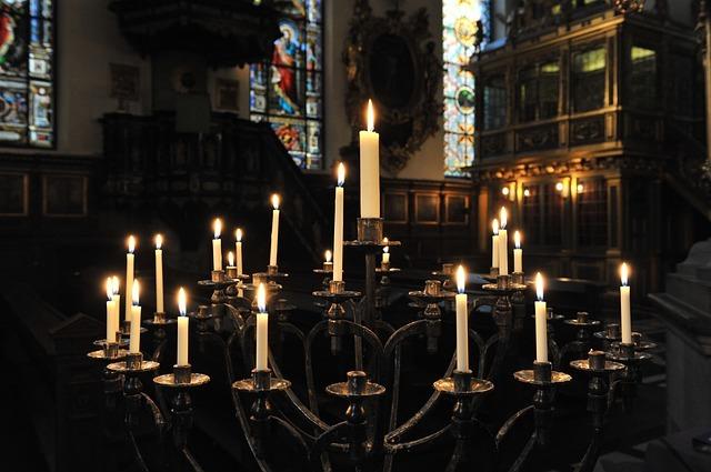 candles-625628_640.jpg