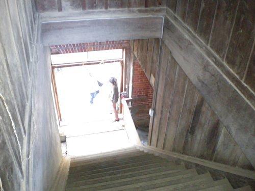 国府台旧陸軍武器庫・階段