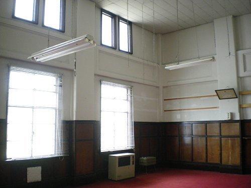 旧岡谷市役所・2F議員室①