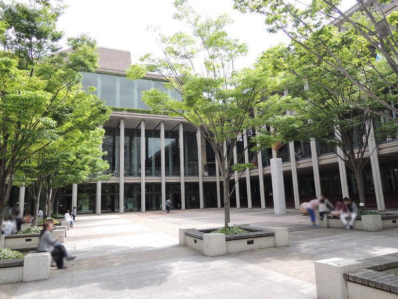 兵庫県立芸術文化センターの建物