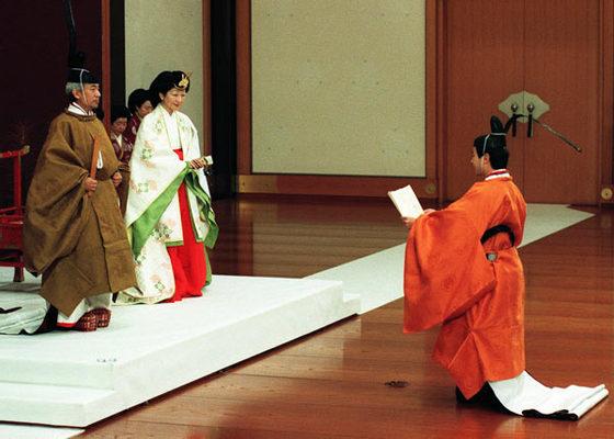 日本の伝統 統治の王と祭祀の王