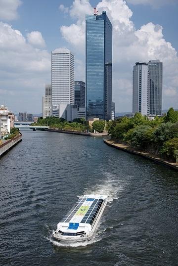 大阪橋(中央区)から上流を望む