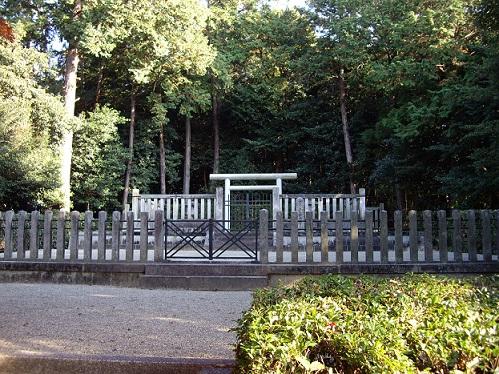 孝元天皇 劔池嶋上陵(奈良県橿原市)