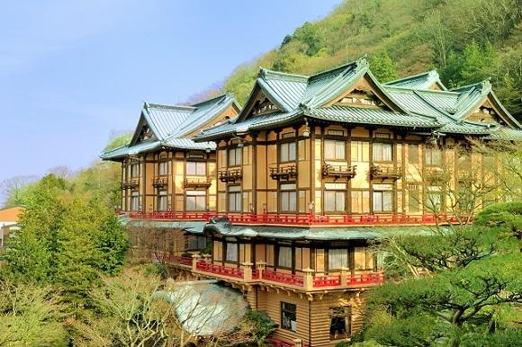 和洋折衷の建築といわれる富士屋ホテル