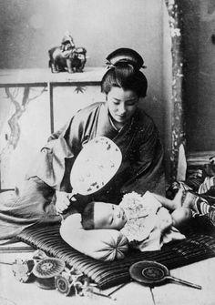 1955 母親と赤ちゃん 和服