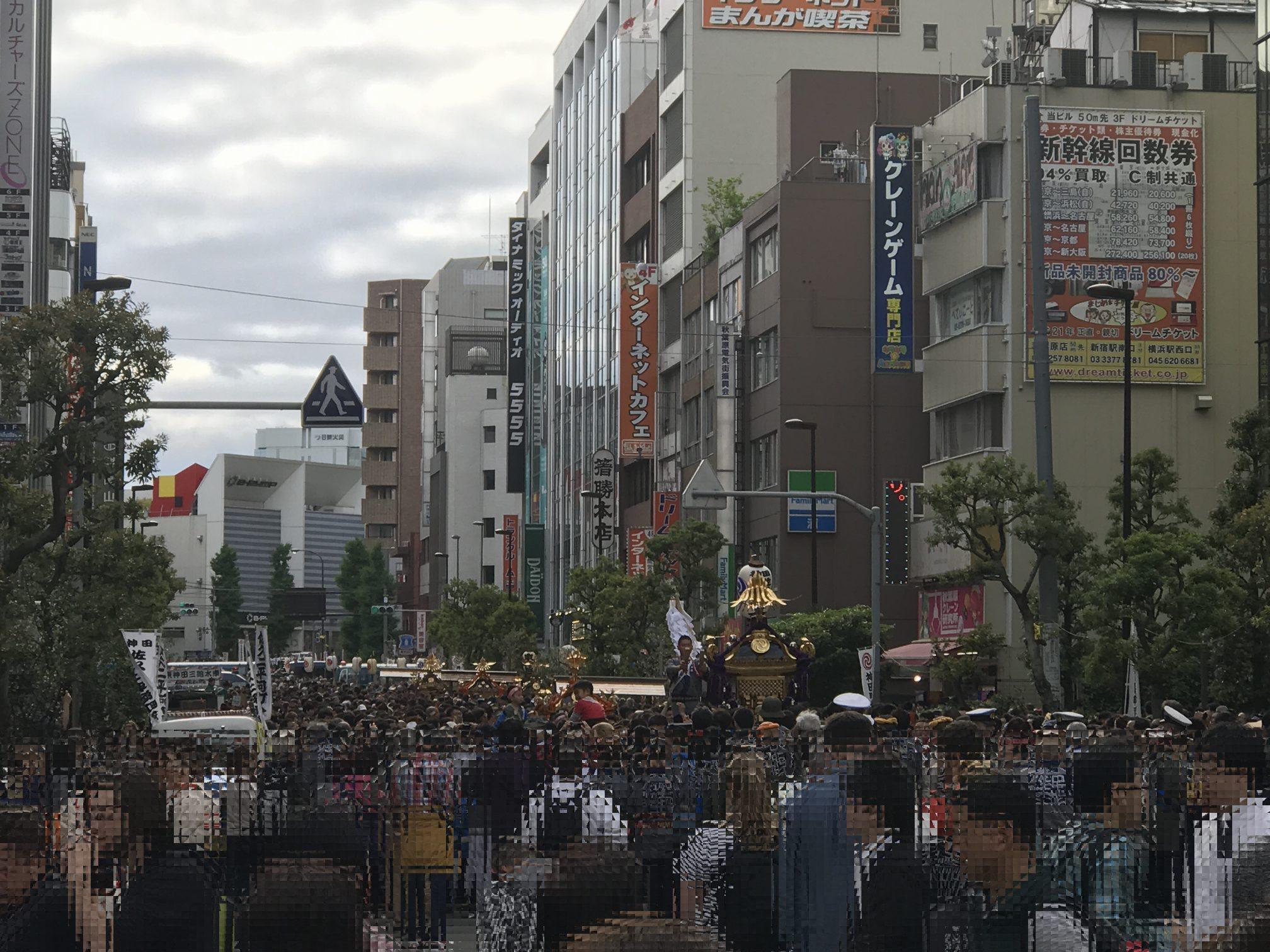 02_AkihabaraStreet.jpg