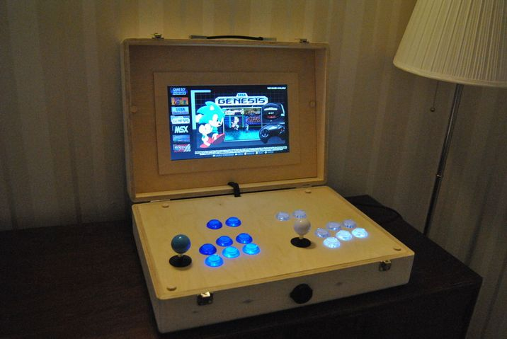 20181205a_Plywood Pi Arcade Suitcase_10