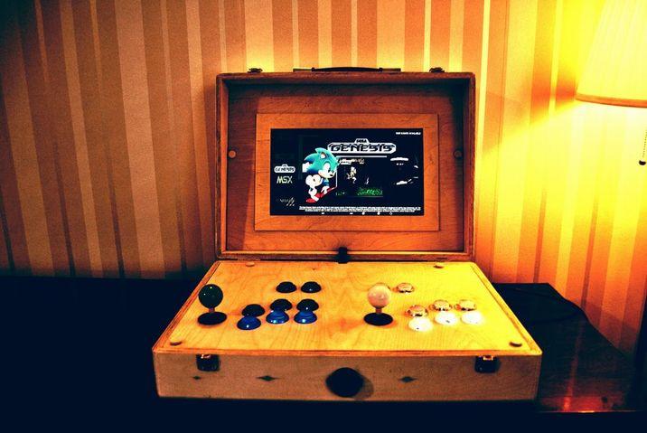 20181205a_Plywood Pi Arcade Suitcase_01