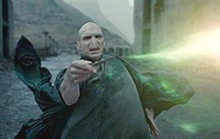 『ハリーポッター』の「死の呪文」ってノーリスクで強すぎじゃね?