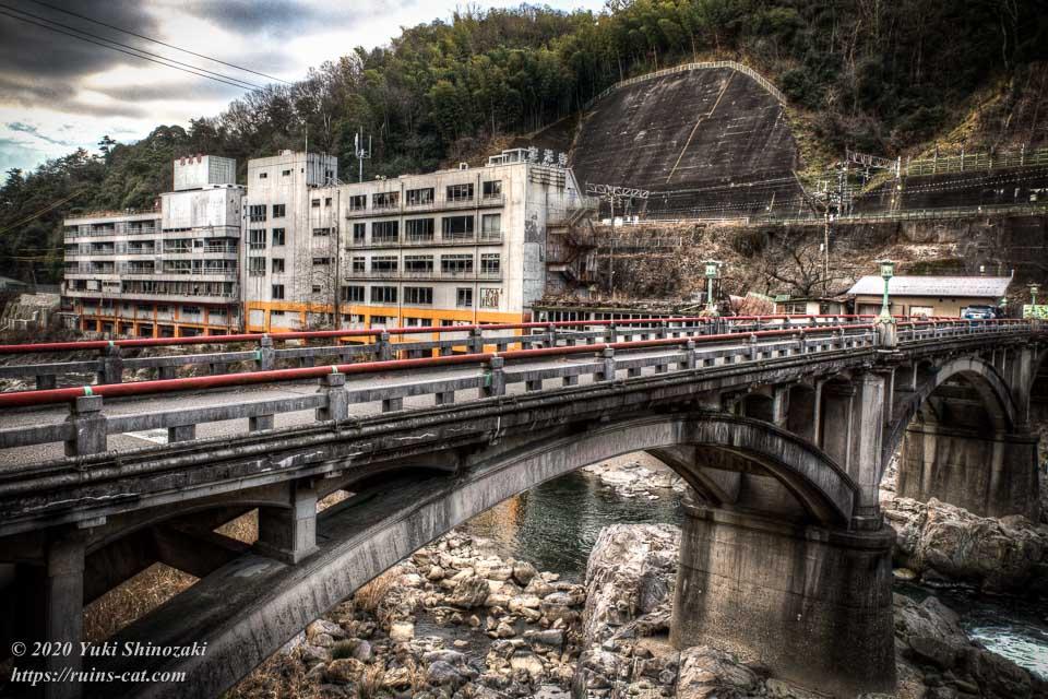 【廃墟】千歳楼(定光寺)_ホテルと橋