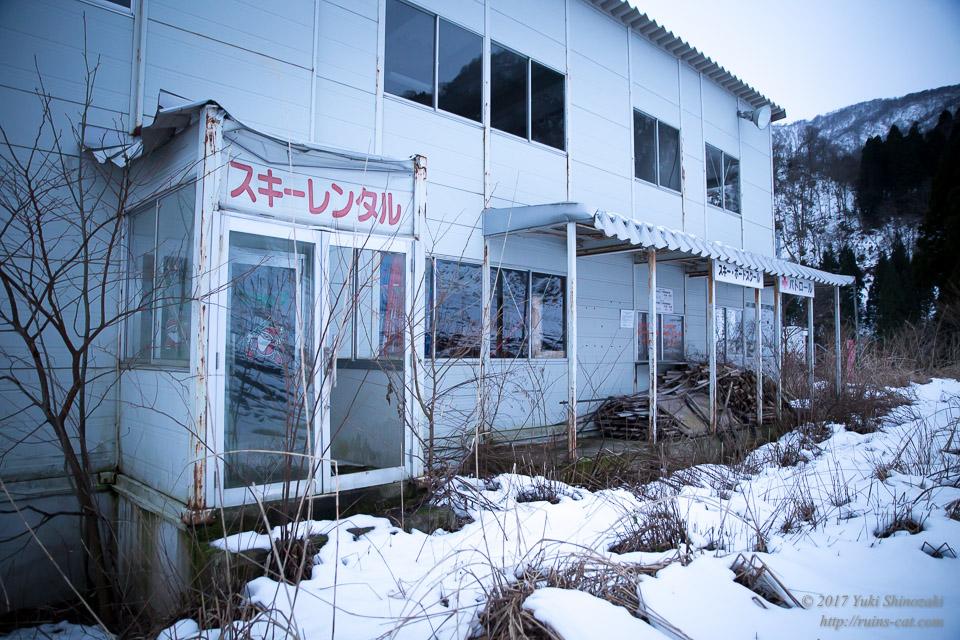 【廃墟】オムサンタの森スキー場_レンタル小屋