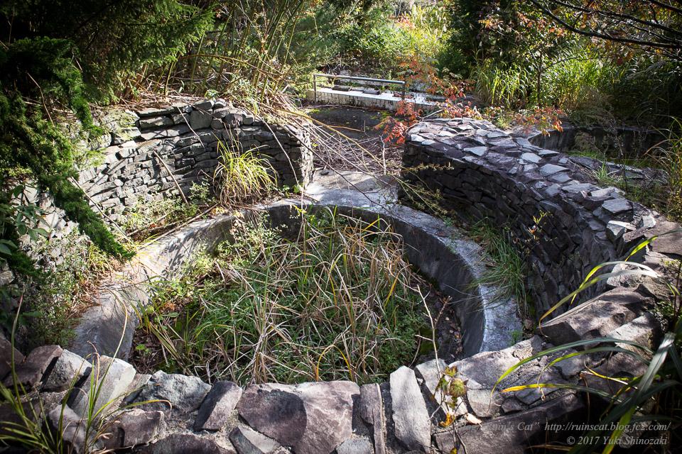 【廃墟】スパガーデン 湯~とぴあ(スパリゾート大鰐)_竜宮の泉(たのしい7つのガーデンの泉)