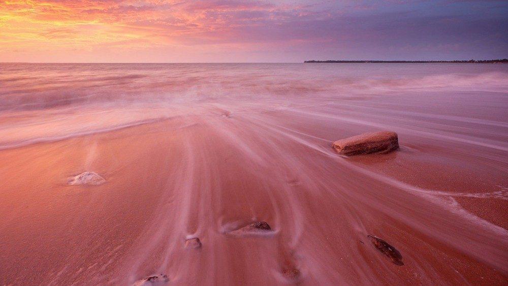 pink-beach-1000x563.jpg