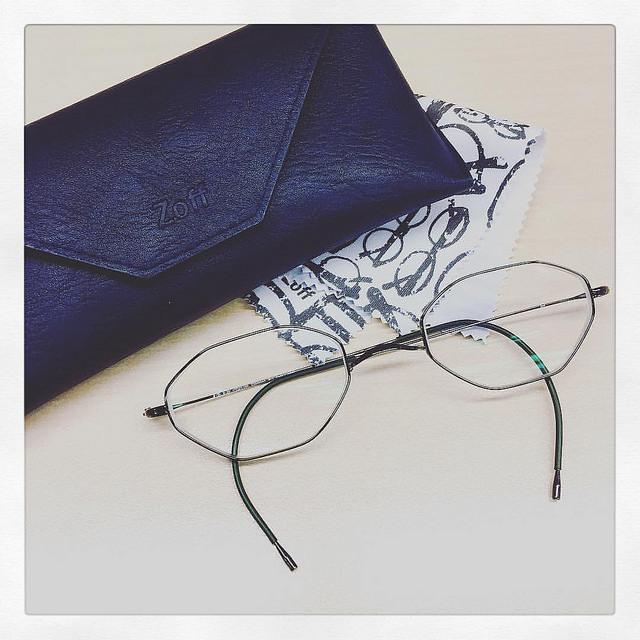 zoff_glasses04.jpg