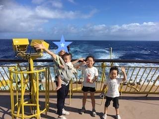 八丈島旅_朝のデッキ