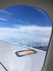 八丈島飛行機の窓
