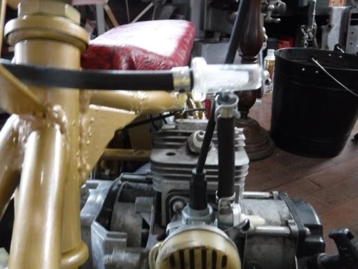 燃料パイプ (2)