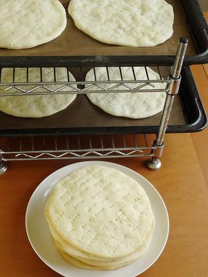 作り ピザ 生地 【初心者向き】超簡単レシピ!美味しい手作りピザ生地の作り方【キャンプ・バーベキューにも】