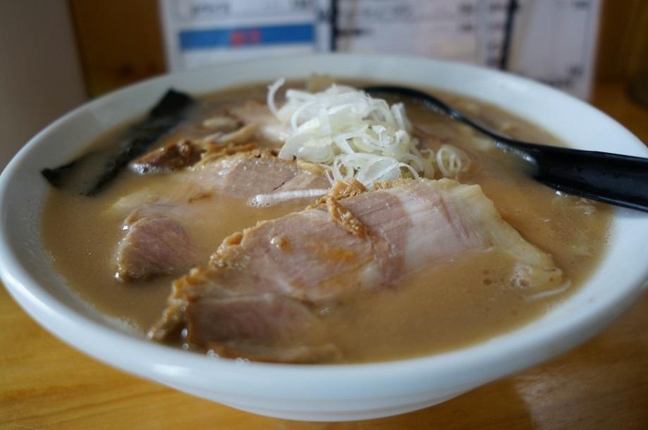 地鶏ラーメン 赤大屋@高根沢町 とんこつラーメン